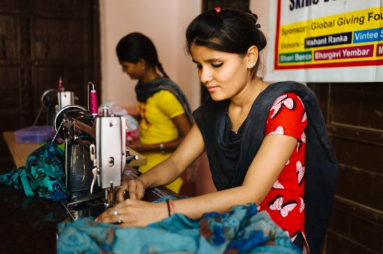 donate-sewing-machine-to-single-mother